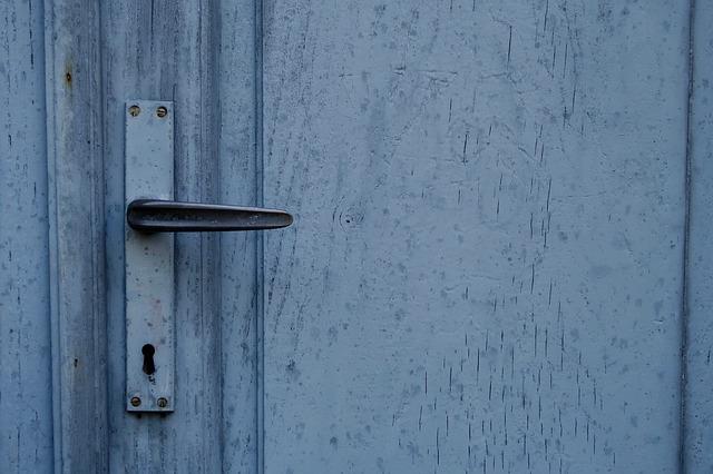 permiso comunidad puerta antiokupa